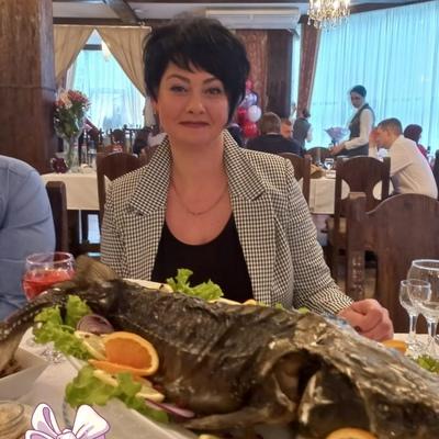 Лена, 45, Saint Petersburg