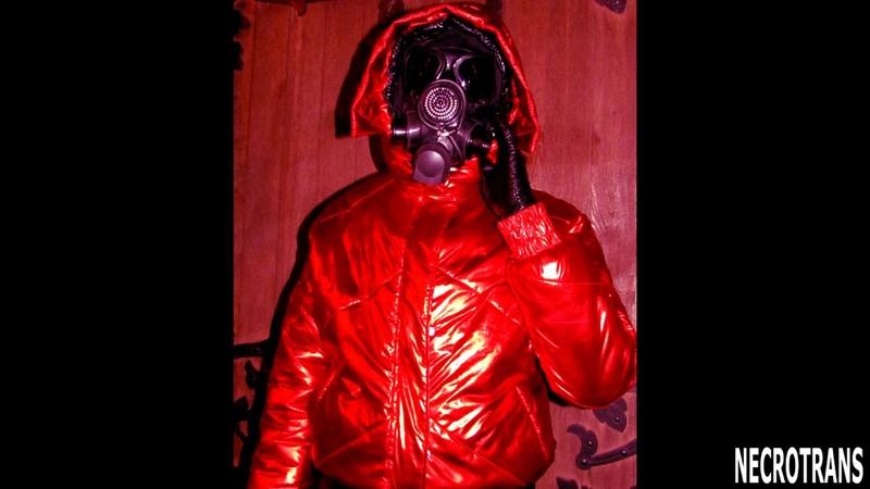 Маска Мб 1 80 с черными линзами Mask MB 1 80 with black lenses Фотосессия с красным пуховиком