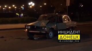 Авария на набережной с участием Форда и шестерки